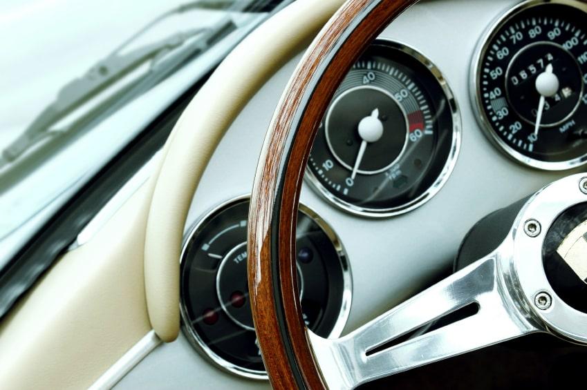 garde et contrôle d'un véhicule moteur